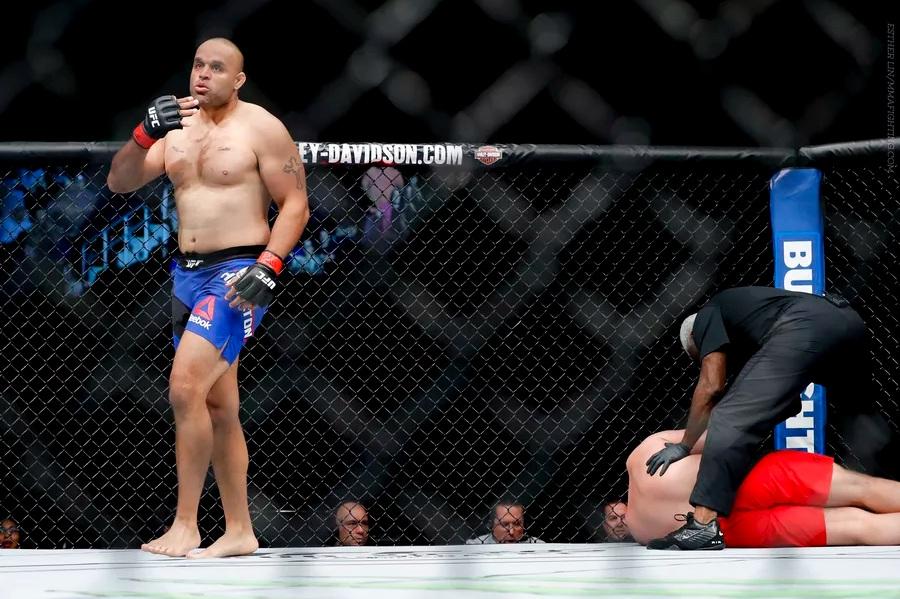 Fot. Esther Lin / MMAFighting